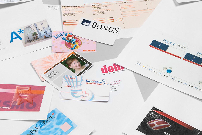 Herauslösbare Ausweiskarten