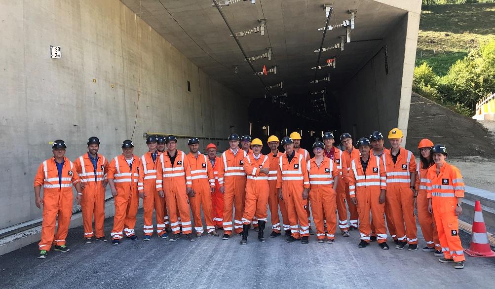 Unsere Firma beim Betriebsausflug in den neuen Bözbergtunnel.