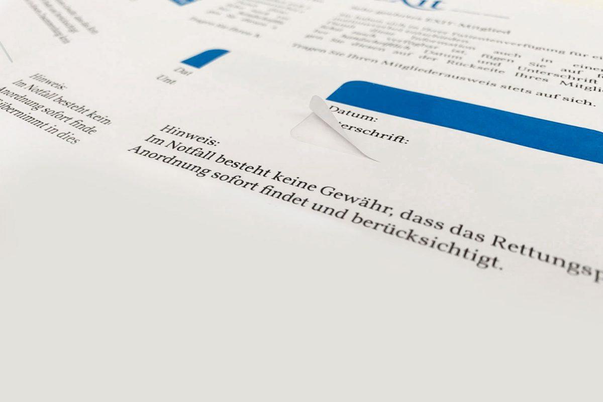 Herauslösbare Etikette aus einem Briefpapier.